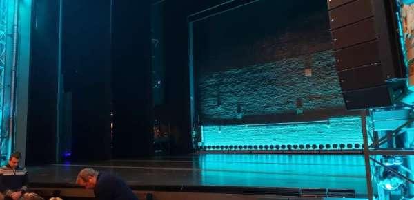 Broadhurst Theatre, secção: Orchestra R, fila: F, lugar: 10