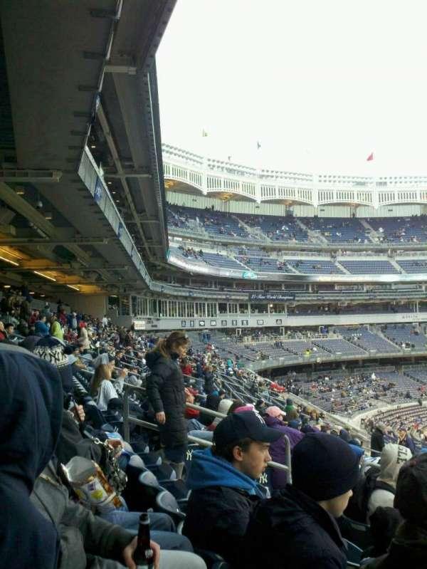 Yankee Stadium, secção: 212, fila: 13, lugar: 13