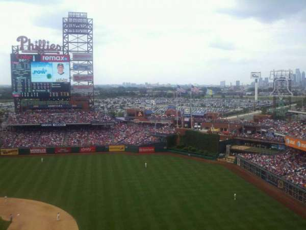 Citizens Bank Park, secção: 413, fila: 4, lugar: 21