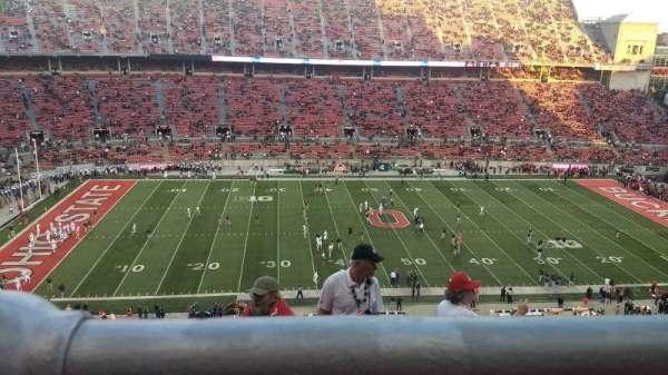 Ohio Stadium, secção: 19C, fila: 8, lugar: 8