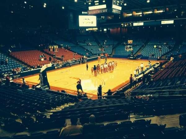 University Of Dayton Arena, secção: 210, fila: H, lugar: 6