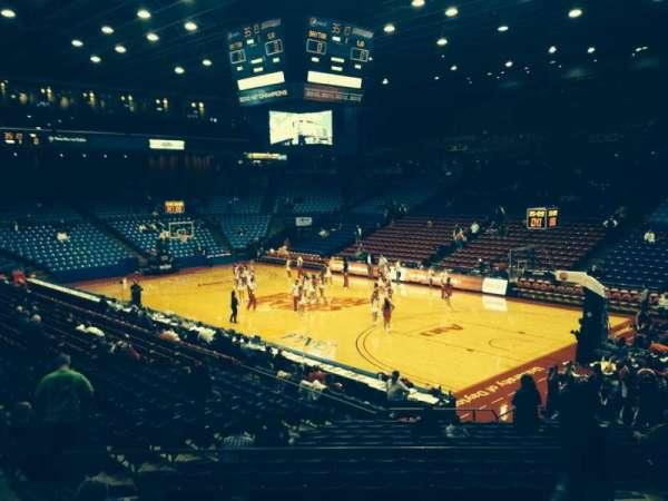 University Of Dayton Arena, secção: 216, fila: H, lugar: 6