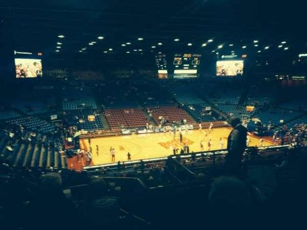 University Of Dayton Arena, secção: 313, fila: H, lugar: 8