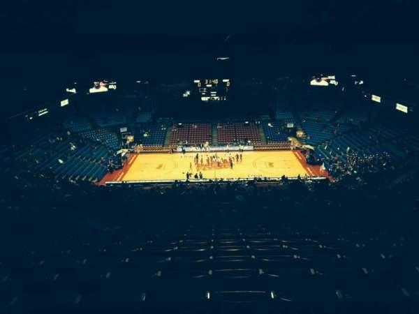 University Of Dayton Arena, secção: 411, fila: Q, lugar: 8