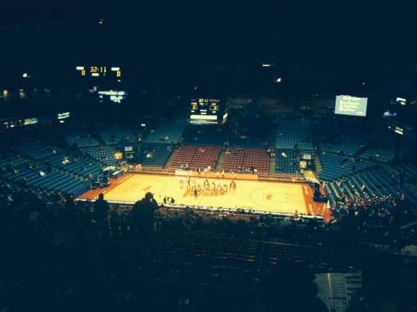 University Of Dayton Arena, secção: 410, fila: H, lugar: 8