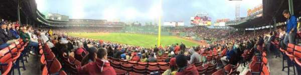 Fenway Park, secção: Right Field Box 94, fila: RR