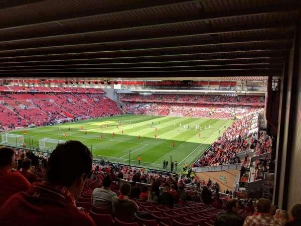 Anfield, secção: Kop 308, fila: 61, lugar: 4