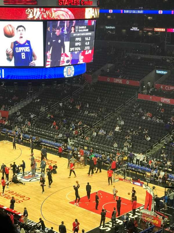 Staples Center, secção: Suite C2, fila: GA, lugar: GA
