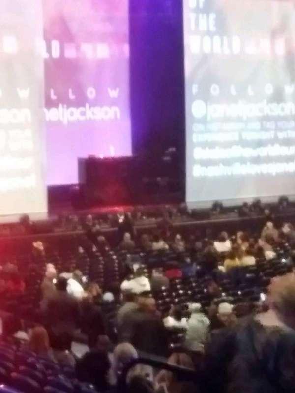 Bridgestone Arena, secção: 117, fila: B, lugar: 11