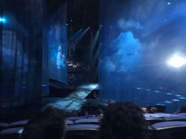 Love Theatre - The Mirage, secção: 206, fila: R, lugar: 3-4