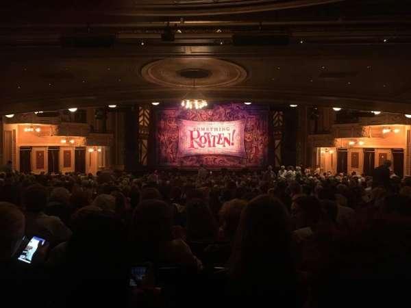 Hippodrome Theatre, secção: Center Orchestra, fila: EE, lugar: 110