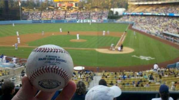Dodger Stadium, secção: 117LG, fila: F, lugar: 2