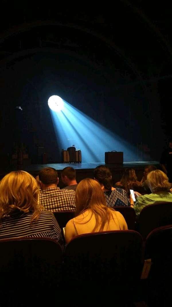 Lyric Theatre, secção: Orchestra L, fila: E, lugar: 15