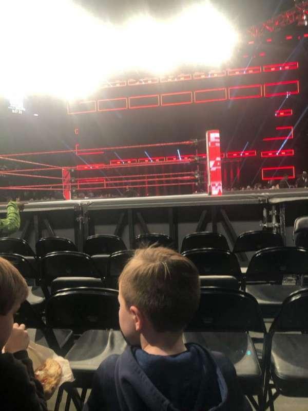 State Farm Arena, secção: FLOOR 4, fila: E, lugar: 2