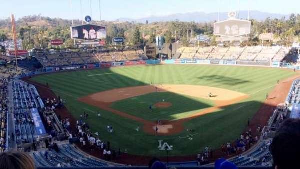 Dodger Stadium, secção: 1RS, fila: E, lugar: 11