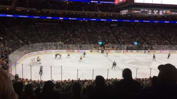 Xcel Energy Center, secção: 105, fila: SRO, lugar: 14