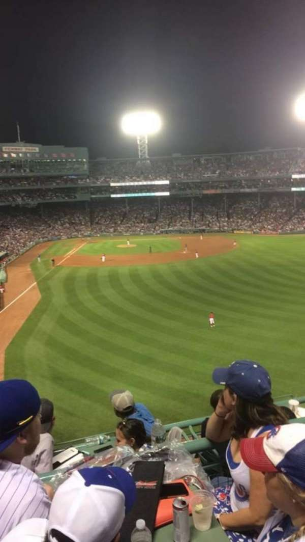 Fenway Park, secção: Right Field Roof Deck, fila: 3