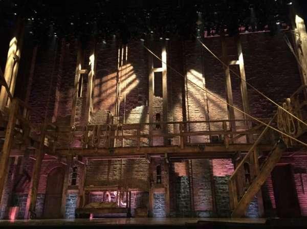Richard Rodgers Theatre, secção: Orchestra Center, fila: A, lugar: 105