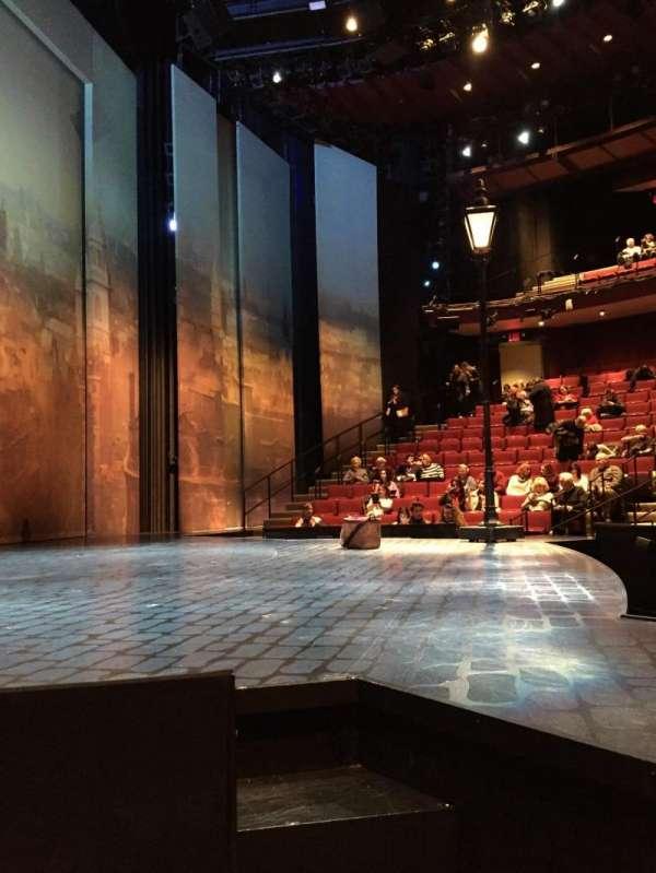 Vivian Beaumont Theater, secção: Left Side Orchestra, fila: C, lugar: 101