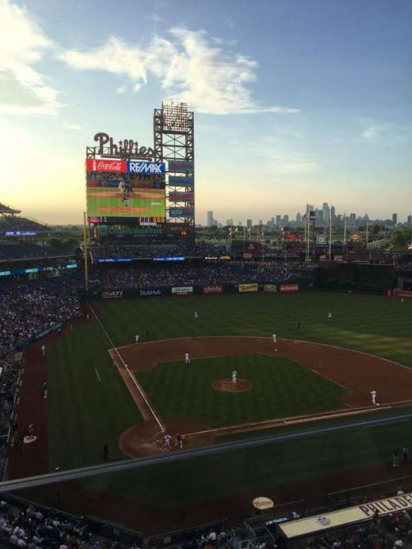 Citizens Bank Park, secção: 318, fila: 1, lugar: 6