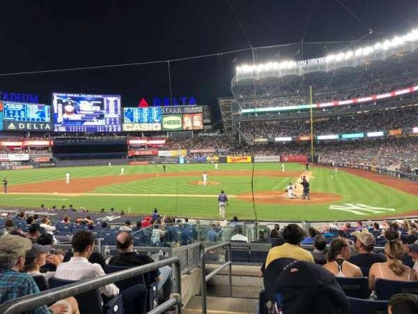 Yankee Stadium, secção: 121b, fila: 7, lugar: 13