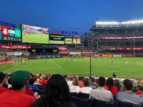 Yankee Stadium, secção: 129, fila: 21, lugar: 4