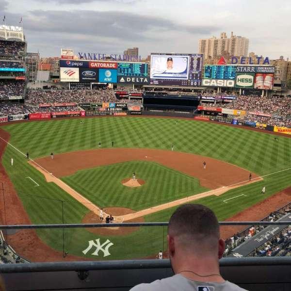 Yankee Stadium, secção: 320A, fila: 2, lugar: 11