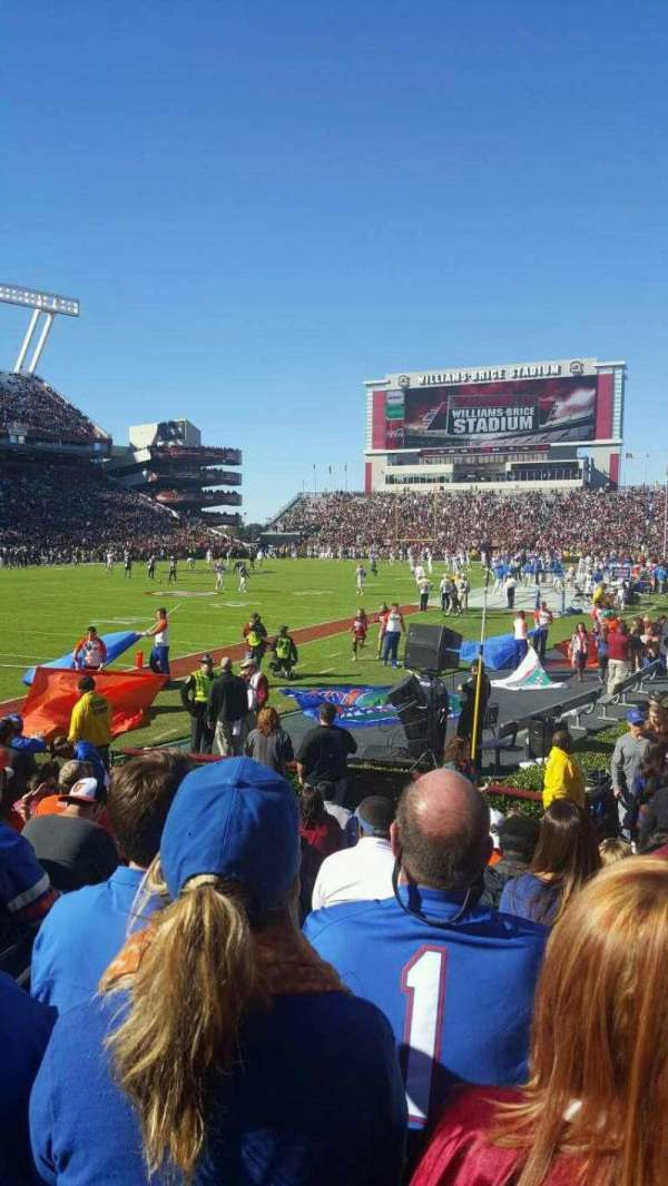 Williams-Brice Stadium, secção: 15, fila: 9, lugar: 11