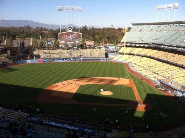 Dodger Stadium, secção: 11RS, fila: O, lugar: 6