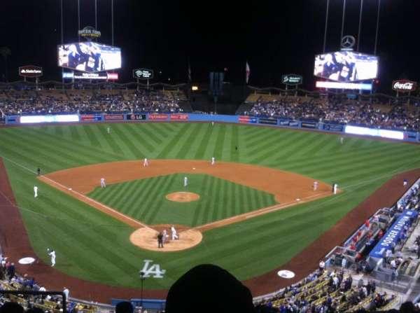 Dodger Stadium, secção: 2rs, fila: H, lugar: 4