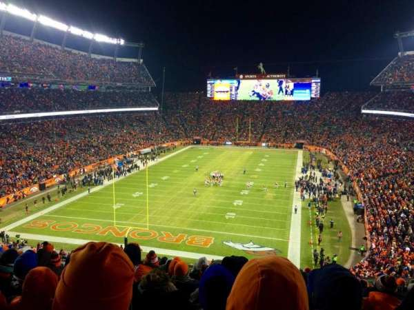 Broncos Stadium at Mile High, secção: 321, fila: 16, lugar: 12