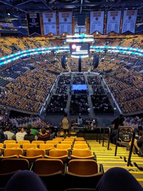 TD Garden, secção: BAL 324, fila: 15, lugar: 1