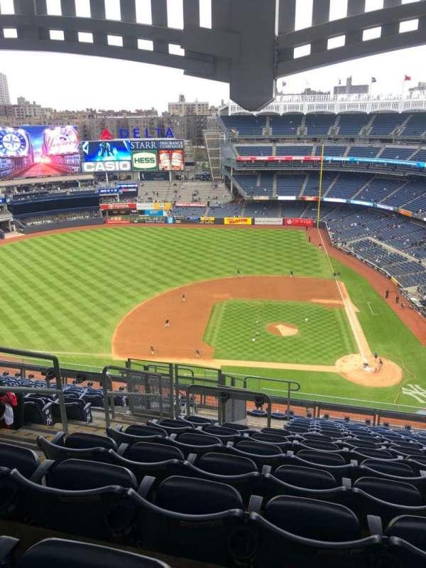 Yankee Stadium, secção: 423, fila: 13, lugar: 24