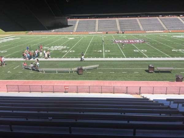 Veterans Memorial Stadium, secção: 106, fila: 17, lugar: 1