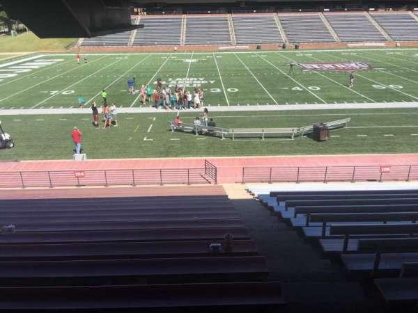 Veterans Memorial Stadium, secção: 104, fila: 17, lugar: 1