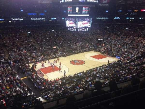 Scotiabank Arena, secção: 323, fila: 4, lugar: 15