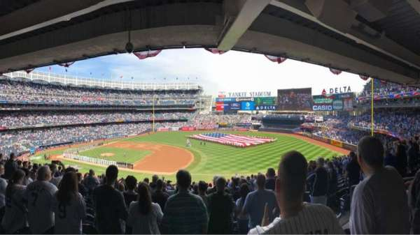Yankee Stadium, secção: 214a, fila: 20, lugar: 5