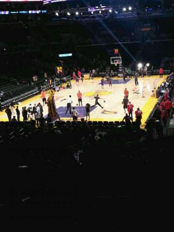 Staples Center, secção: 207, fila: 11, lugar: 11