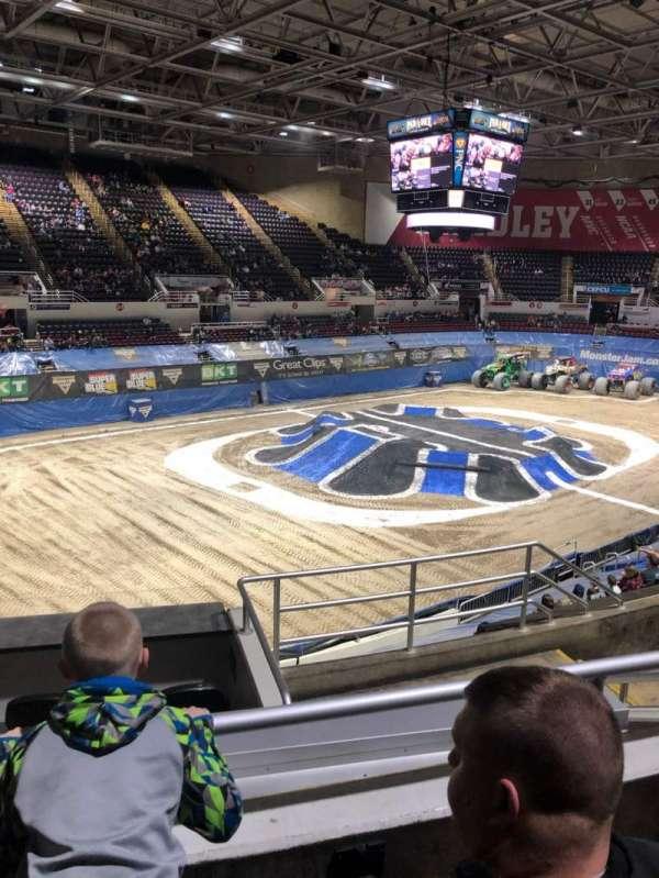 Carver Arena, secção: 17A, fila: 11, lugar: 6