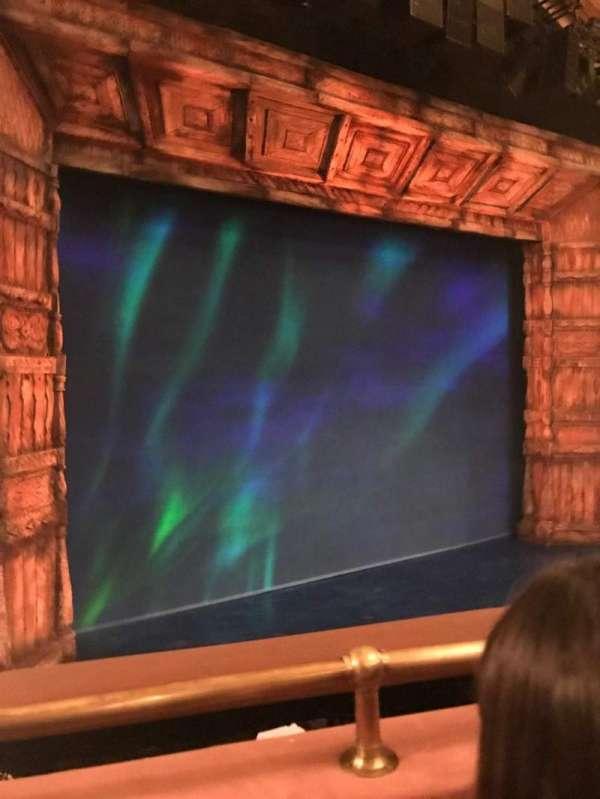 St. James Theatre, secção: Mezzanine L, fila: Gr, lugar: 32