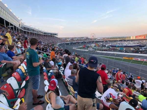 Charlotte Motor Speedway, secção: Chrysler F, fila: 22, lugar: 18