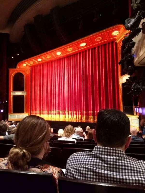 Marquis Theatre, secção: Orchestra R, fila: M, lugar: 16