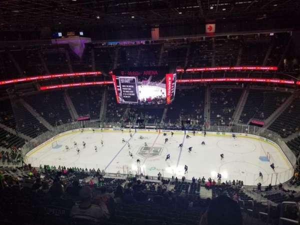 T-Mobile Arena, secção: 224, fila: Q, lugar: 17
