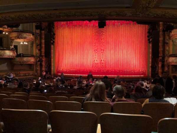 New Amsterdam Theatre, secção: Orchestra C, fila: V, lugar: 101