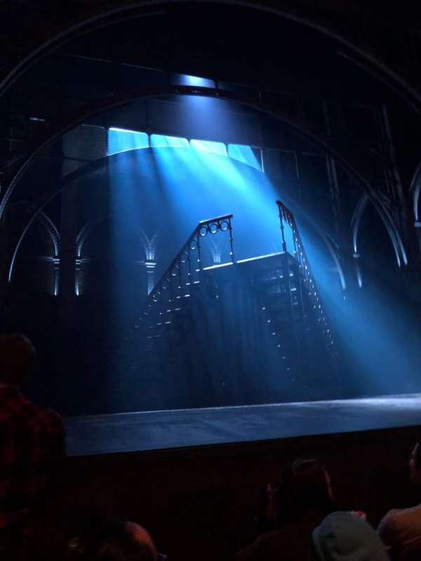 Lyric Theatre, secção: Orchestra L, fila: C, lugar: 13
