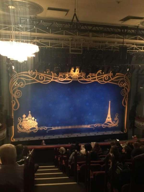 Broadhurst Theatre, secção: Mezzanine L, fila: K, lugar: 1 and 3