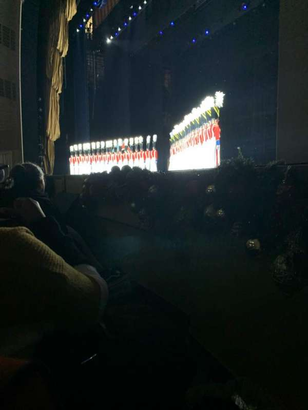 Radio City Music Hall, secção: Orch2, fila: DD, lugar: 201