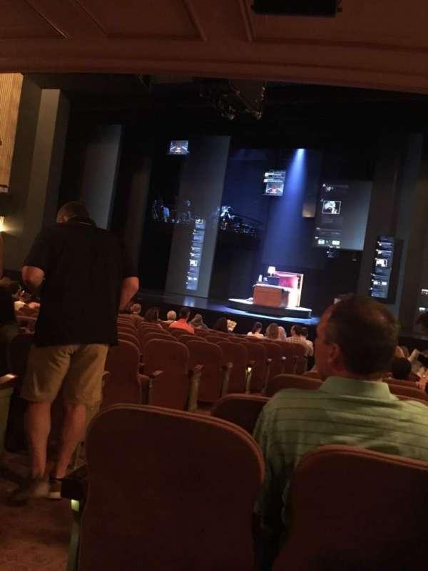 Music Box Theatre, secção: Rear Orch, fila: O, lugar: 2/4