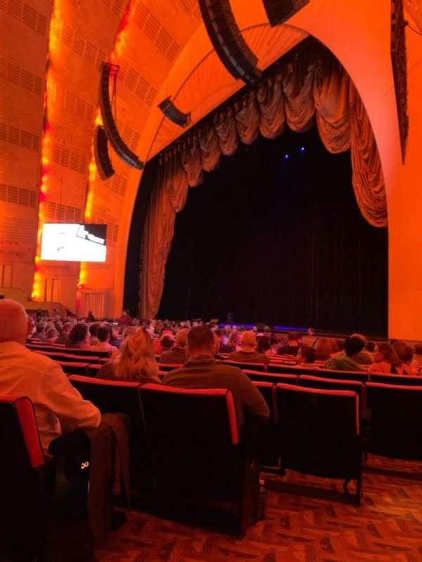 Radio City Music Hall, secção: Orchestra 1, fila: QQ, lugar: 109