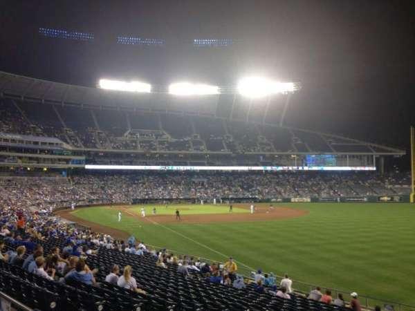 Kauffman Stadium, secção: 246, fila: AA, lugar: 10